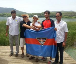 CN Banyoles con el Trofeo Promocioón
